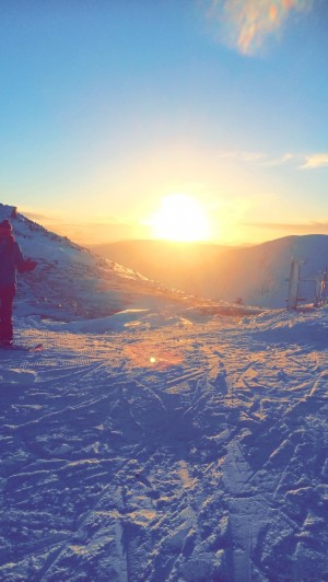 1 Boarding babes , sunset at glenshee