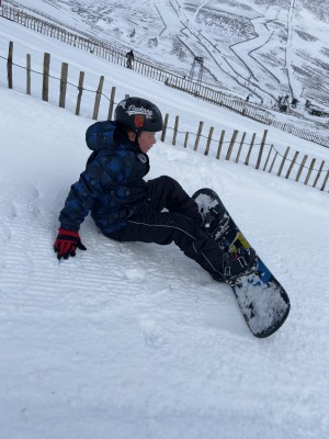3 =?utf-8?Q?My_son_learning_to_snowboard_at_Glens...